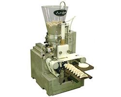 トーセー工業 卓上型餃子成形機 NS-21